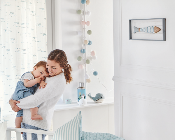 Vorhang Reveur Kinderzimmer I Voile mit aufgestickten Wellen I Farben: weiß/blau I nach Maß