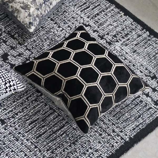Designer Samt-Kissen Manipur Noir Schwarz I modernes Design Muster Designers Guild