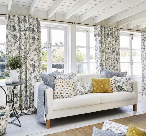 Vorhang St Merryn I 100% Baumwolle mit Blumen/Blättermuster schwarz/weiß blau/weiß