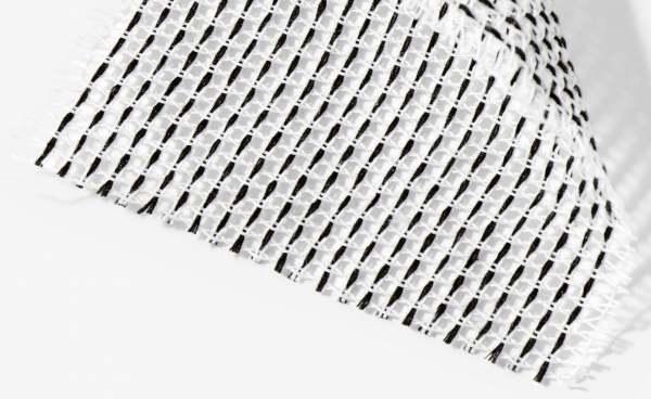 Design Vorhang Repeat netzartiges Gewebe aus recycelten Garnen in klaren Farben I Kinnasand
