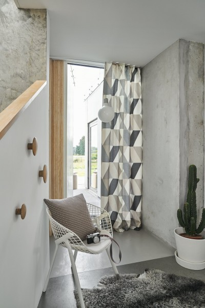 Vorhang Schal Sounds I blickdicht mit grafischem Muster by Jab Anstoetz